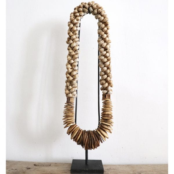 grand collier en coquillages veillis